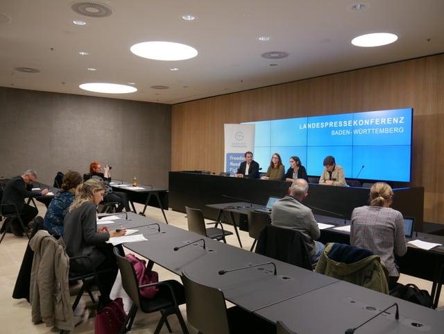 Landespressekonferenz in Stuttgart zum Fall DemoZ